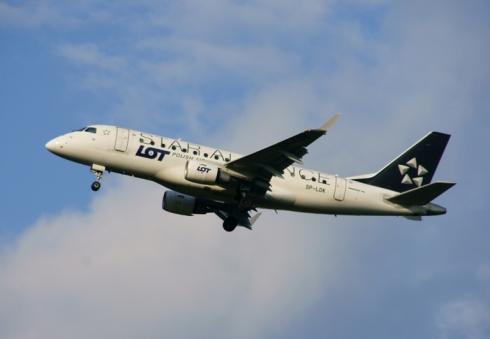 Embraer ERJ 170-100LR / PLL LOT / SP-LDK. Malowanie alianckie.